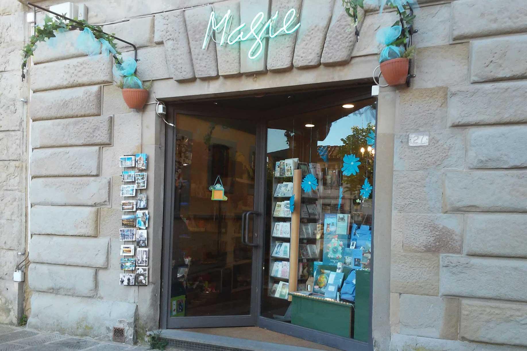 La cartoleria Magie consegna a domicilio libri, giocattoli e cancelleria