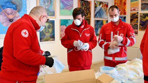 Preparazione mascherine da consegnare