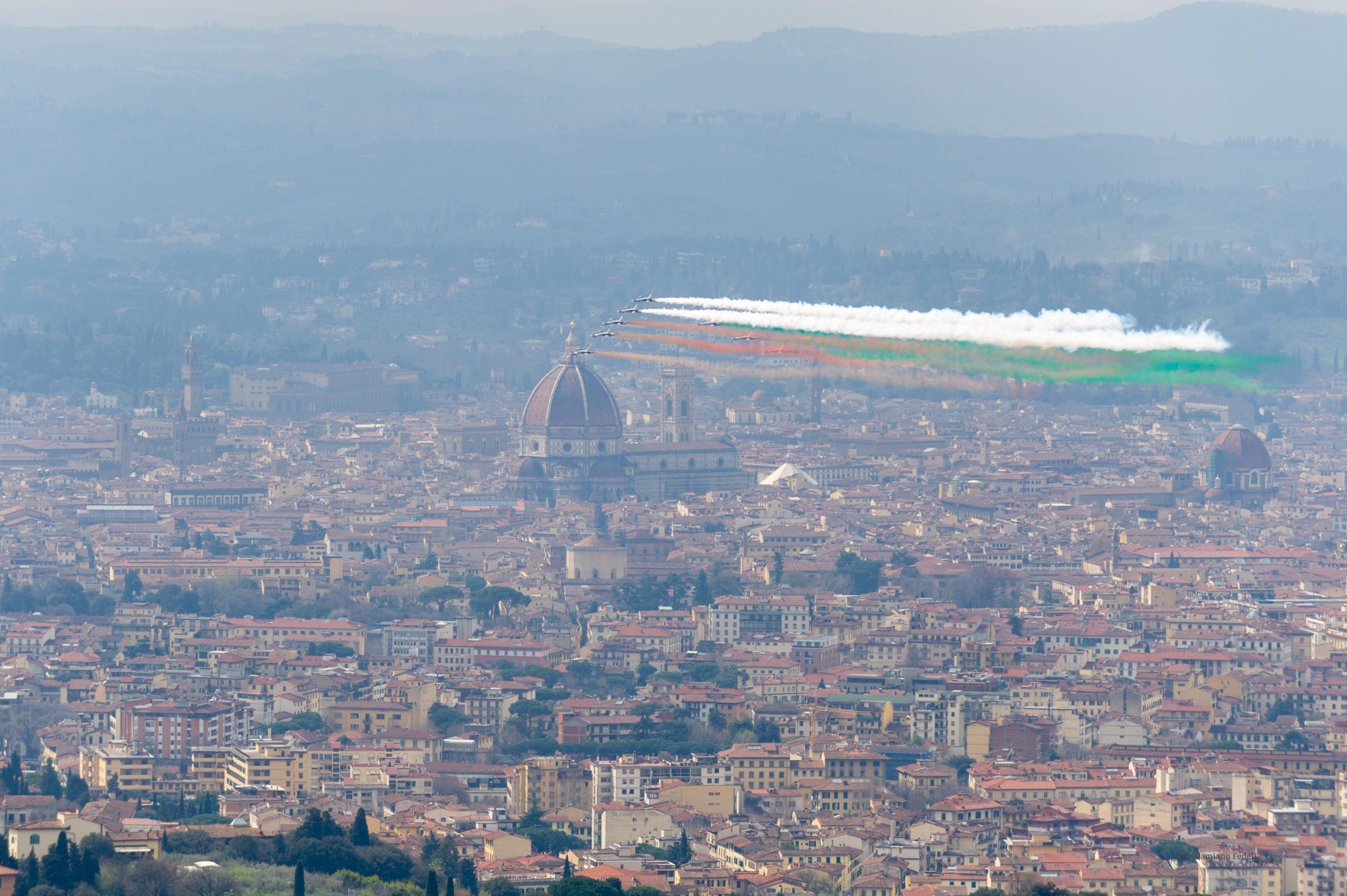 Domani le Frecce Tricolori sorvolano Firenze