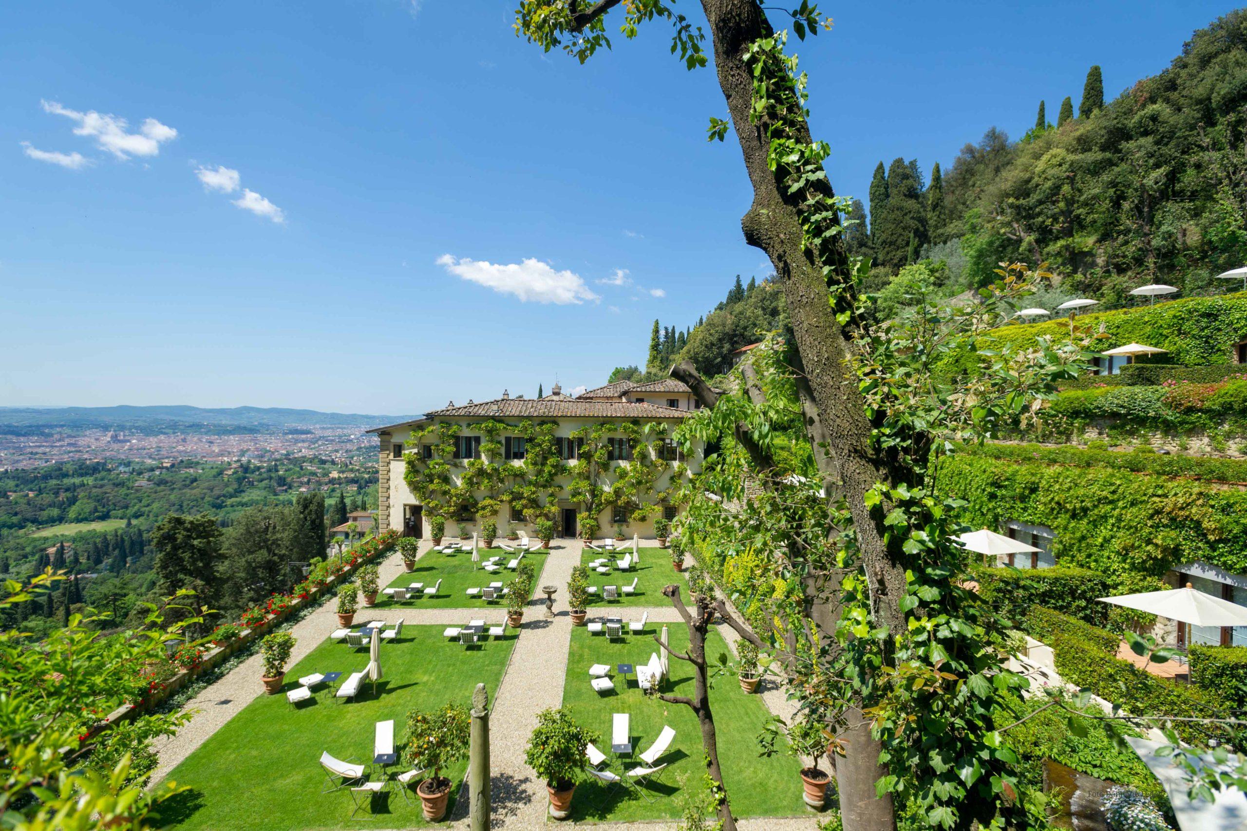Hotel cinque stelle: il Villa San Michele riapre il 23 luglio